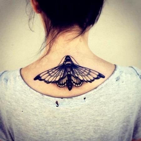 фото тату на шее бабочки