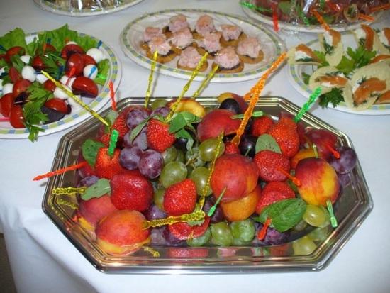 как красиво оформить фрукты