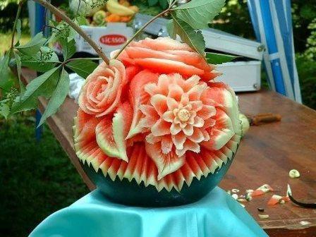 карвинг роза из арбуза фото