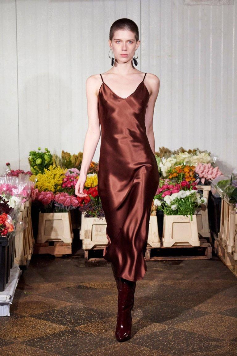 Модные платья от simon-miller